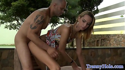 Skinny latin shemale buttfucked outdoors