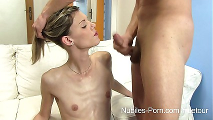 Skinny hottie fuck and facial