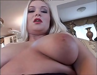 Solo sex of an amazing and sexy blonde