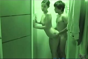 Teen boy fucking his gf in the shower