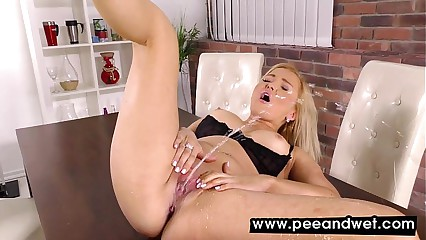 Jenna Lovely Pees In Panties And Masturbates
