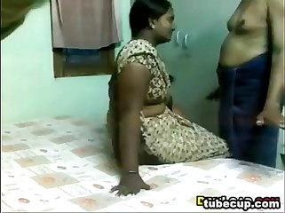 Indian teacher affair with married man college girl www.xnidhicam.blogspot.com