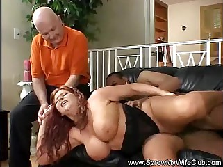 BBW Smiles while Fucking