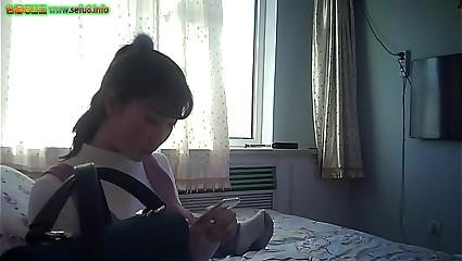 sefu8.info - 91三贱客之牛奶哥搞完朋友的老婆再搞人家上大二的女儿720P高清无水印