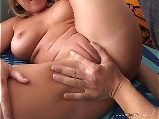 [Family] Son cum into mom