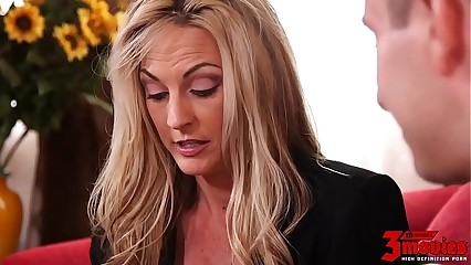 Hot Mom Deep Banged By Young Stud