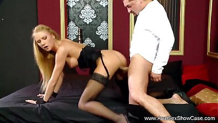 Blonde MILF Fuck Her Butthole