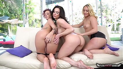 Kendra Lust, Jada Stevens and AJ Applegate Lesbian threesome