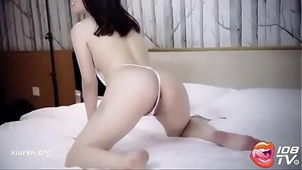 [108酱TV] 奔放外围模特葛晓诺露骨情趣私房写真视频