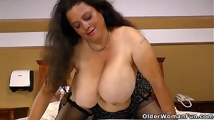 Latina BBW Rosaly lets us enjoy her big tits and massive butt