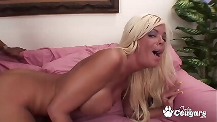 Jordan Blue Fills Her Pussy With A Big Black Dong