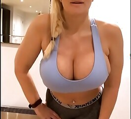 Live chat  Big Tits and Ass - TheSophieJames.com