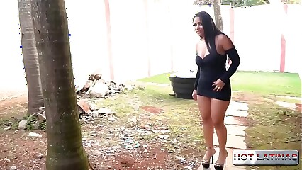 NIce Milf likes to have sex with her employees. - Alessandra Marquez - Tony Tigrao -  -  -