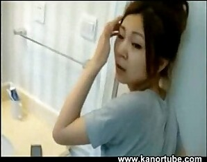 Chinese couple recording in the restroom - www.kanortube.com