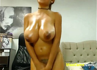 Busty Boobs webcam girl free for the show-more maacams.com