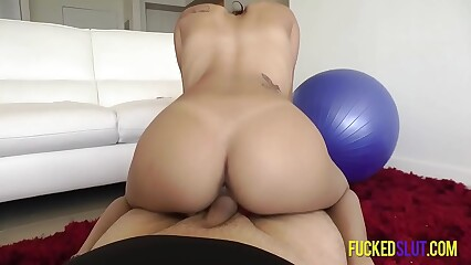 Blowjob to reverse cowgirl, thats how its done