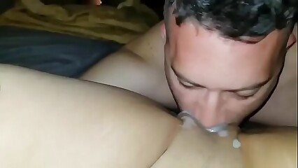 eating his own creampie