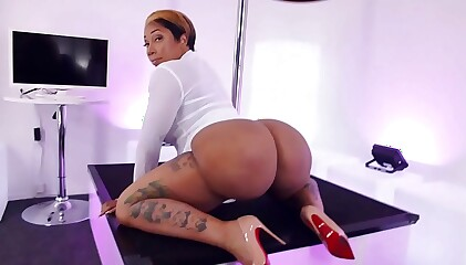 Bunz4Ever Nude Dance and Twerk Video, Big Black Booty, Ebony Booty