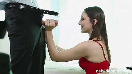 Pepper is a sexy amateur deepthroat star who shows up nervous as can be