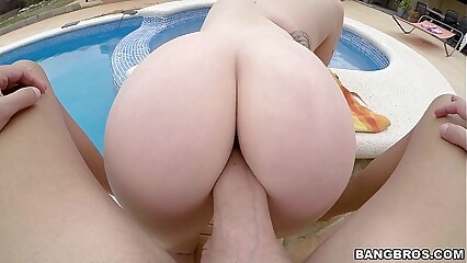 Thick Pale Chick Fucked Doggystyle
