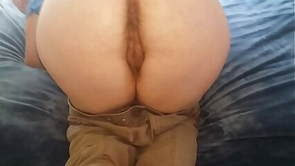 Mature with wide hips gets fucked doggystyle