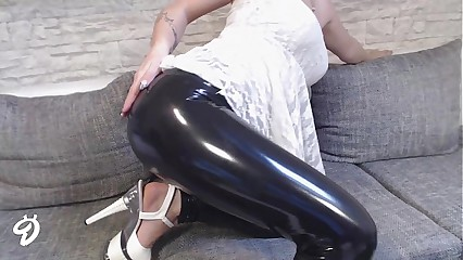 NEUES VIDEO! LATEX-HOSE