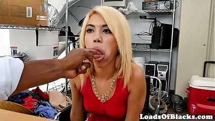 Skinny beauty drilled at casting