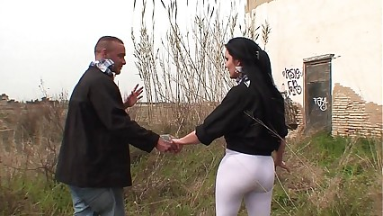 Fucking a chubby spanish amateur girl in an abandoned house