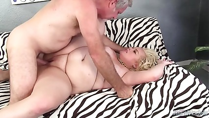 Chubby blonde gets her asshole munched before fuck and facial