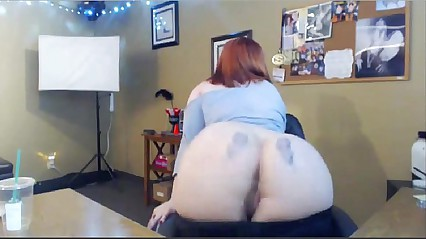 CHUBBY READ HEAD  TURNS EVERYONE ON WITH HER CAM SHOW AT xxxcamchickss.com