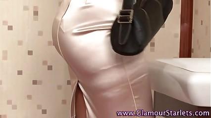 Glamour puss masturbates