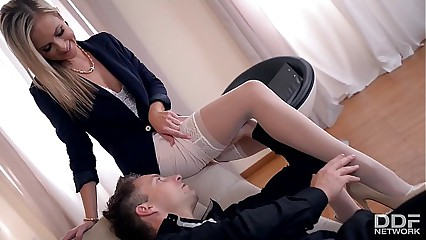 Horny Psychologist Seduces Foot Fetish Lover into Hot Fuck