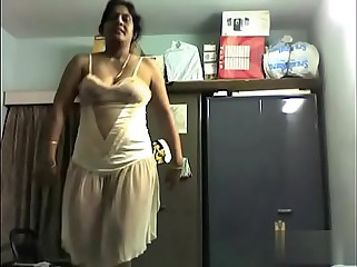 Desi Mom Nude Dance at Bedroom